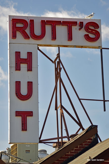Rutts Hut Hot Dogs Sign, Clifton, NJ