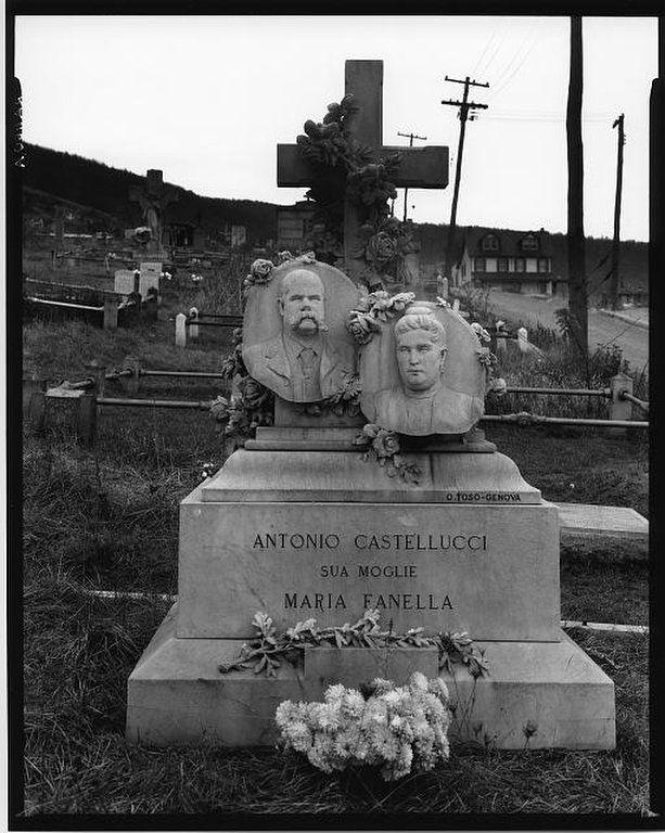 Castellucci Grave