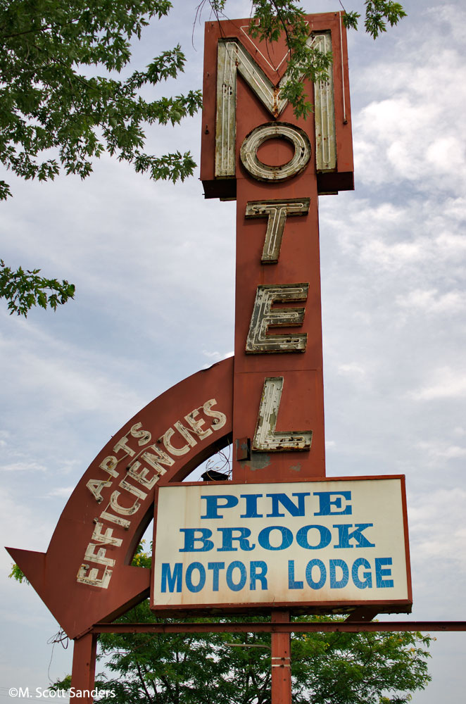 Pine Brook Motor Lodge